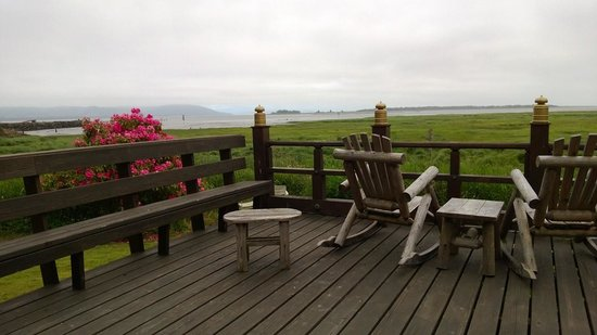 China Beach Retreat : deck