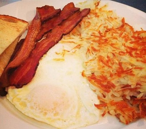 East Troy, WI: Customizable Breakfast Option