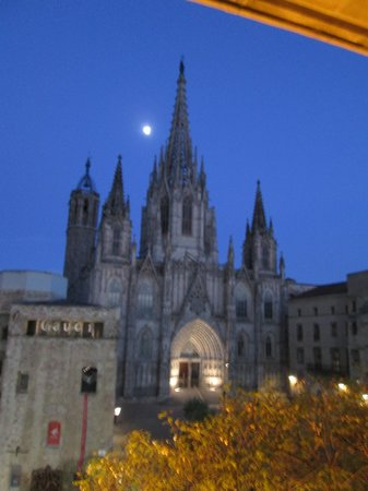 Colon Hotel: Balrcelona Cathedral