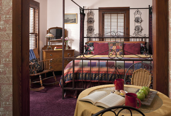 Cliff Cottage Inn - Luxury B&B Suites & Historic Cottages : R.L.Stevenson Suite