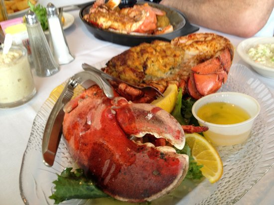 2 Mate Broiled split stuffed lobster, stuffed shrimp, scallops, deviled crab - Picture of Crab ...