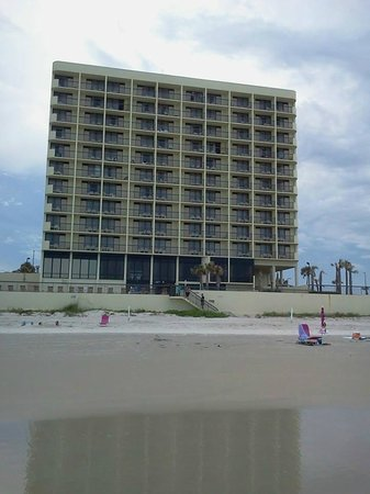 Holiday Inn Express and Suites Oceanfront: Hotel