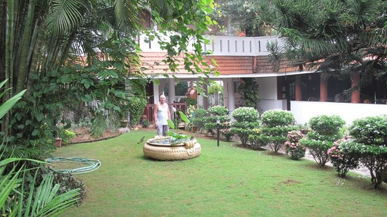 Ann's Residency: Well maintained gardens.