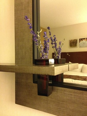 Dallas Marriott City Center: Nicely decorated rooms.