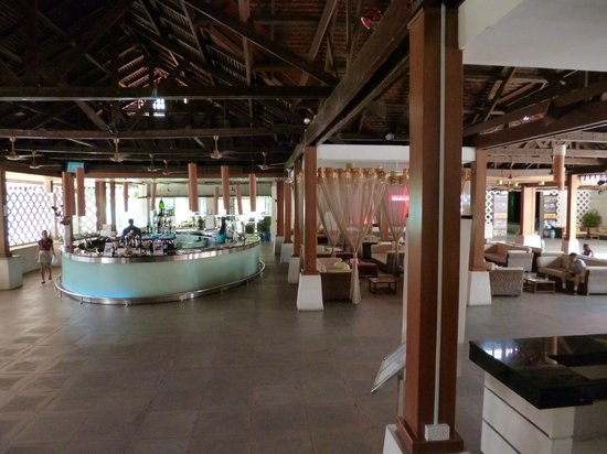 ‪‪Club Med Cherating Beach‬: Main Bar and lounge‬