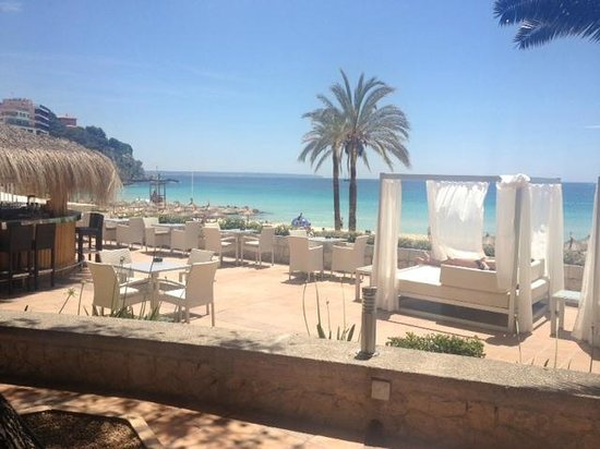 Luabay La Cala: Terrace overlooking the beach