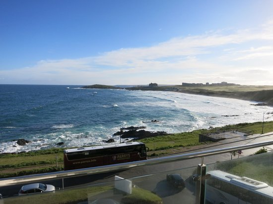 Fistral Beach Hotel: Beautiful Fistral Bay and Beach.  View from a 2nd Floor Best Room