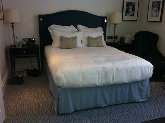 The Waldorf Hilton: super comfi bed and pillows
