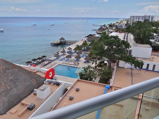 El Cid La Ceiba Beach Hotel: View from the Balcony