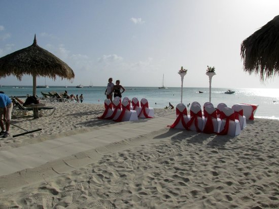 Occidental Grand Aruba: Wedding that took place on the beach