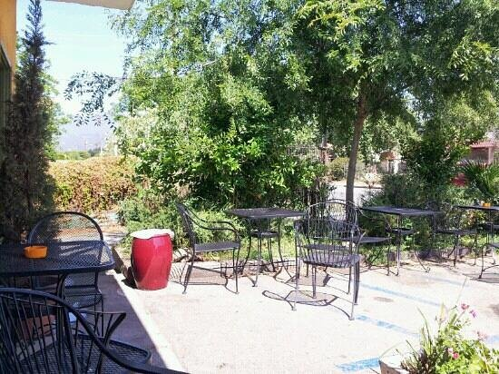 Ojai, CA: Front patio