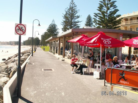 Glenelg, Australia: One of many side stalls