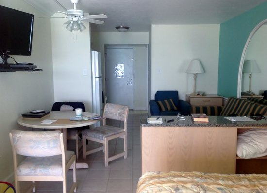 Panama City Resort and Club: Lokking toward the door