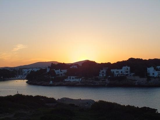 Hotel Marina Skorpios: sunset over Cala D'or (taken from Es Forti)