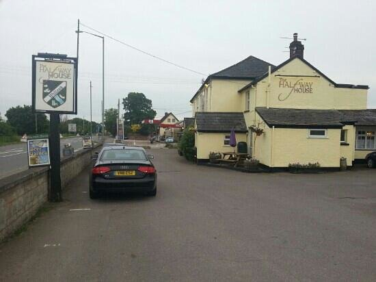 Cullompton, UK: Halfway House, Willand