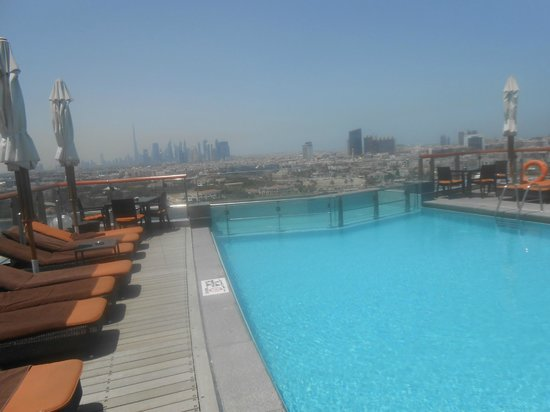 Hilton Dubai Creek: The pool