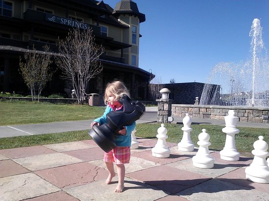 Pagosa Springs, CO : On the hotel grounds.  Kids love giant chess boards!