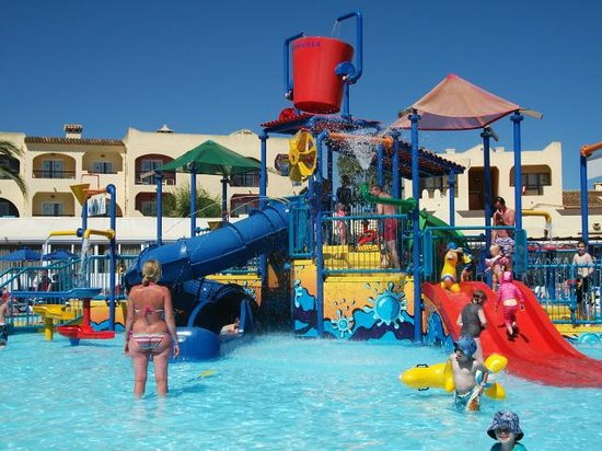 Hi! Bouganvilla Aparthotel: splash/play pool
