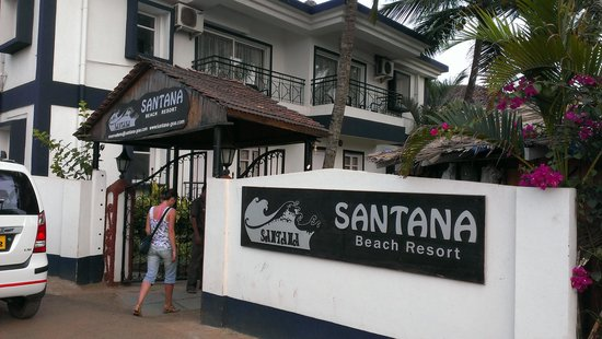 Santana Beach Resort: Main Entrance