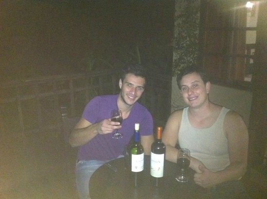 Hotel Borinquen Mountain Resort: Taking a cup of wine