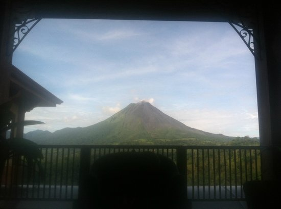 The Springs Resort and Spa at Arenal: View from the lobby