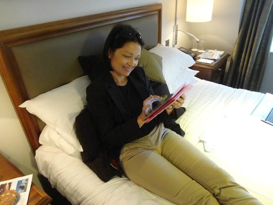Bailbrook House: The Mrs was overjoyed with the free wi-fi for her new ipad!