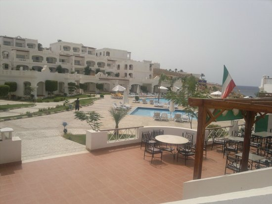 Continental Plaza Beach Resort: امام البرك