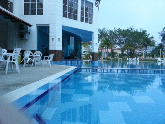Lotus Desaru Beach Resort: Pool