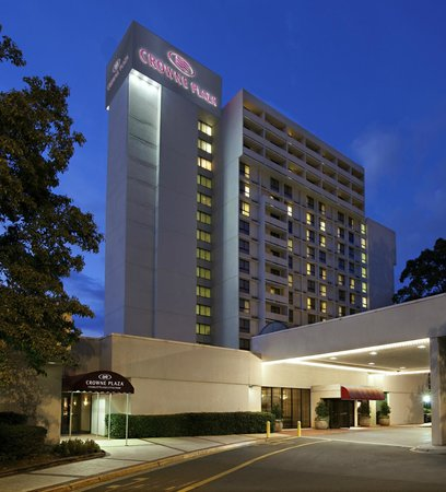Photo of Crowne Plaza Charlotte Executive Park