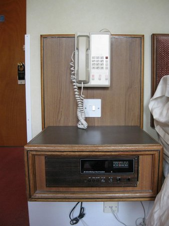 "Wessex Hotel: ""state of the art"" radio circa 1970"