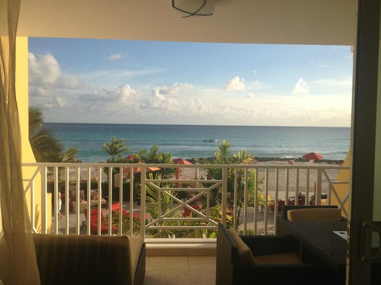 Ocean Two Resort & Residences: Morning view
