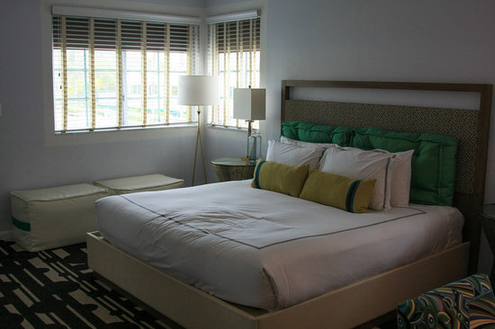 Surfcomber Miami South Beach, a Kimpton Hotel: Comfy bed