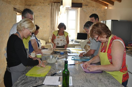 Monflanquin, Prancis: Hands on Cooking & demonstration  courses