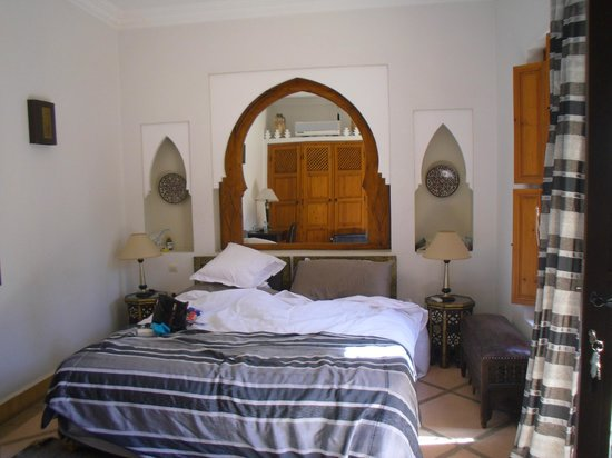 Riad RabahSadia: Bedroom with closets and comforts