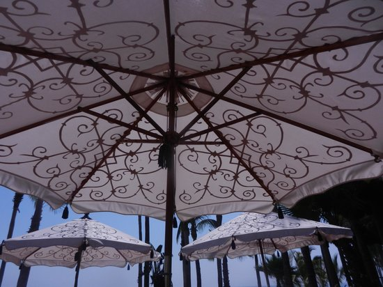 One & Only Palmilla Resort: dining under the umbrellas