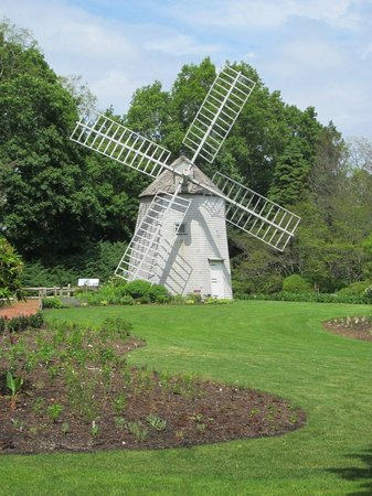 Sandwich, MA: The windmill at Heritage Gardens