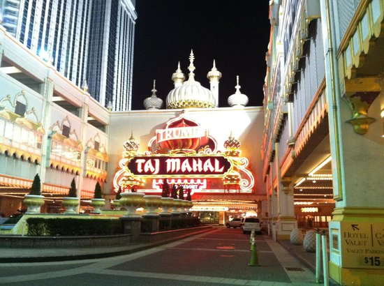 Trump Taj Mahal: The dramatic entrance