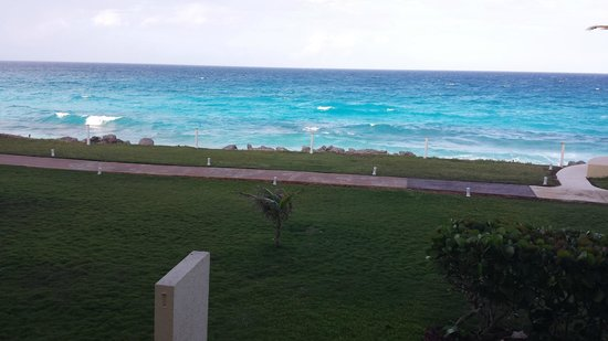 Dreams Cancun Resort & Spa: view from balcony pyramid tower room