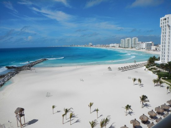Dreams Cancun Resort & Spa: tower view