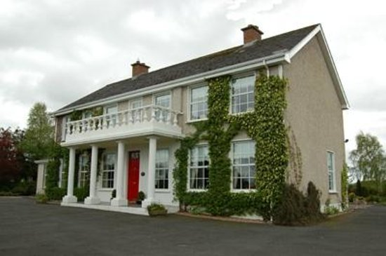 Tattykeel House B&B