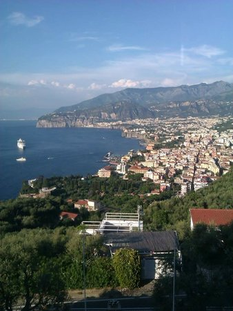 Grand Hotel Aminta: View from Hotel overlooking Sorrento