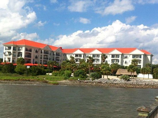 Charleston Harbor Resort & Marina: The hotel from the Marina