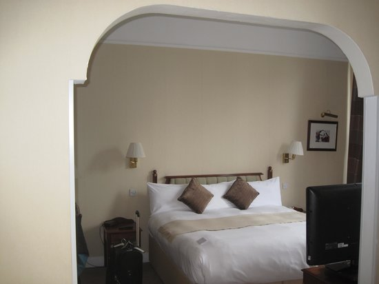 BEST WESTERN PLUS Bruntsfield: The Bruntsfield's Spacious Room 102