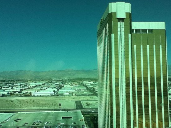 Mandalay Bay Resort & Casino: View of Las Vegas from 28th floor