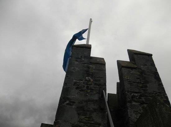 Bunratty, Ireland: Higher up as high as it was possible to explore, out on a parapet