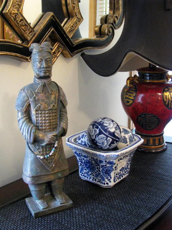 Dunn-Drae B&B: Oriental artifacts