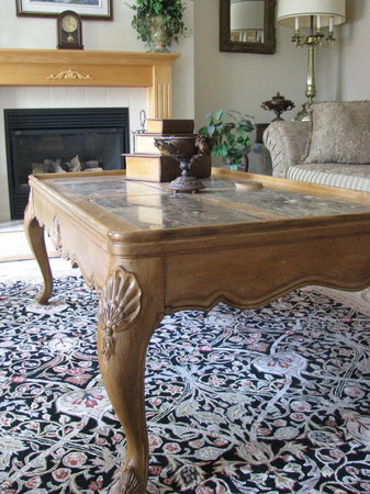 Dunn-Drae B&B: Lounge Coffee Table