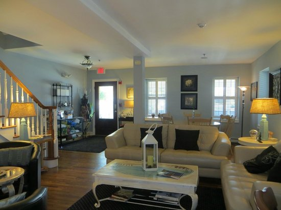 Belmar, NJ: Comfy Living area