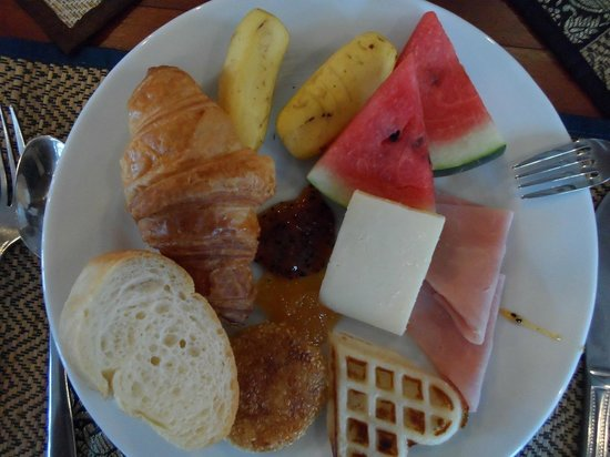 Royal Crown Hotel: breakfast
