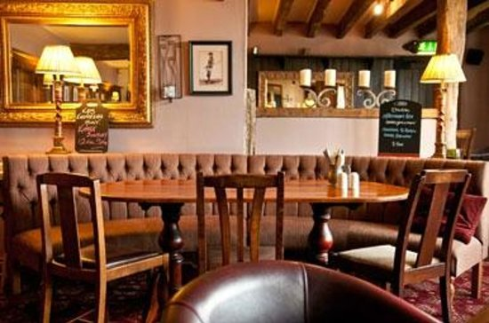 Balloch, UK: The restaurant at the Innkeeper's Lodge Loch Lomond
